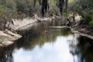 Paddlers on the Suwannee River. Photo by Anoldent